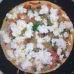 Omlet z kiszonym ogórkiem i serem twarogowym