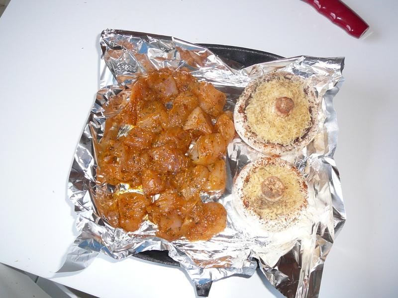 Pierś z kurczaka i pieczarki z serem