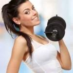 Co kobieta powinna zabrać ze sobą na siłownię?