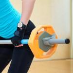 Ile powinna wynosić przerwa między seriami – hipertrofia vs siła?