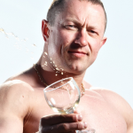 Alkohol w kuchni: ile zostaje w żywności? Badania naukowe