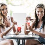 Czy alkohol tuczy kobiety? Badania naukowe